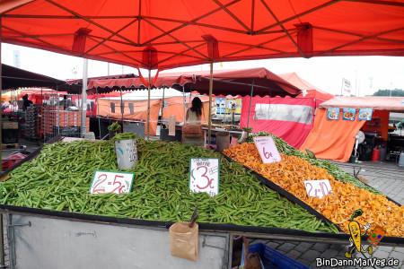 Auf dem Gemüsemarkt in Helsinki